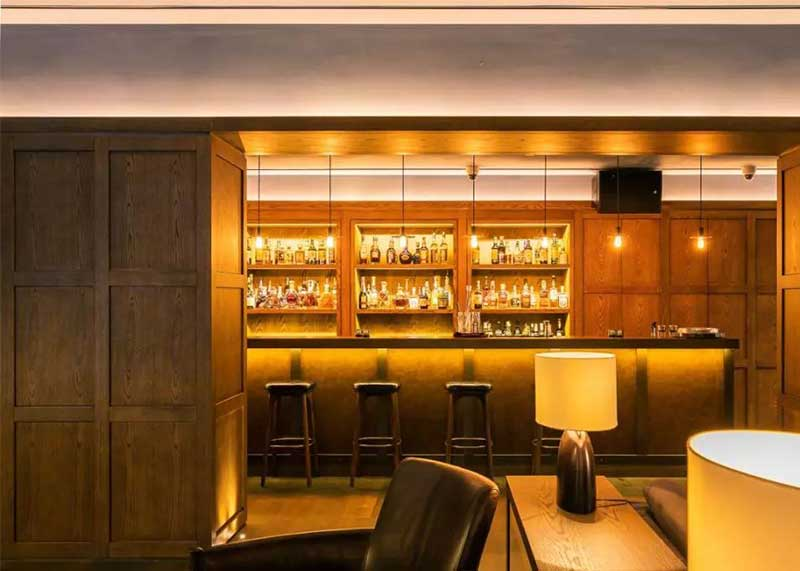 欧式古典风格酒吧装修